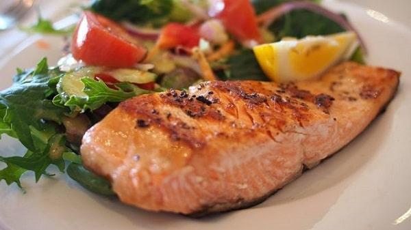 el salmon engorda mucho